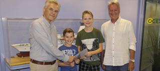 directeur van DFDS, Teun Wim Leene, Maurice en Fabien Thijssens en Vissenloop bestuursvoorzitter van de Vissenloop Fred van Dam